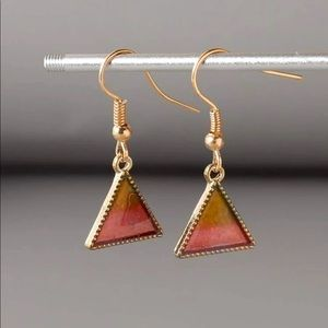 🔥Pink triangle simple hanging gold earrings
